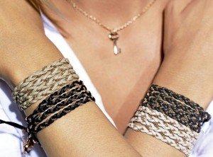 verysisters dans mode Mode-on-aime-les-bracelets-cuir-very-sisters_portrait_w674-300x222